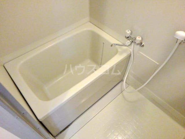 ガーデンハイツ服部Ⅰ 01010号室の風呂