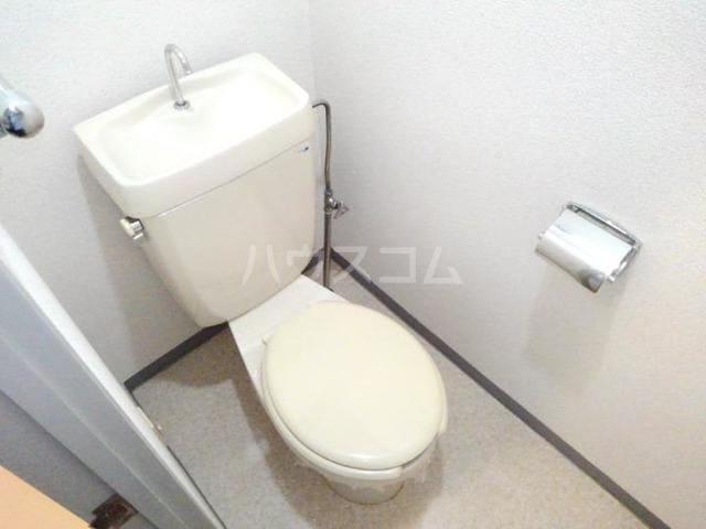 ガーデンハイツ服部Ⅰ 01010号室のトイレ