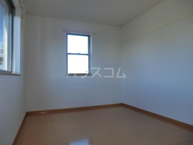 M.Kマンション Ⅷ 01020号室のリビング