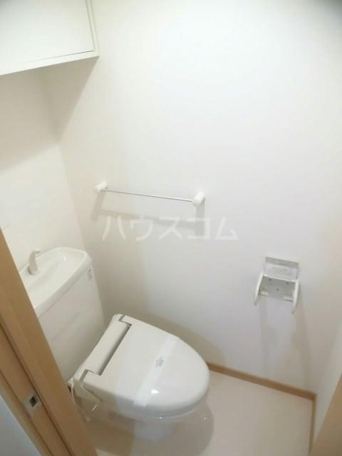 プロムナード 牛川通 D 02040号室のトイレ