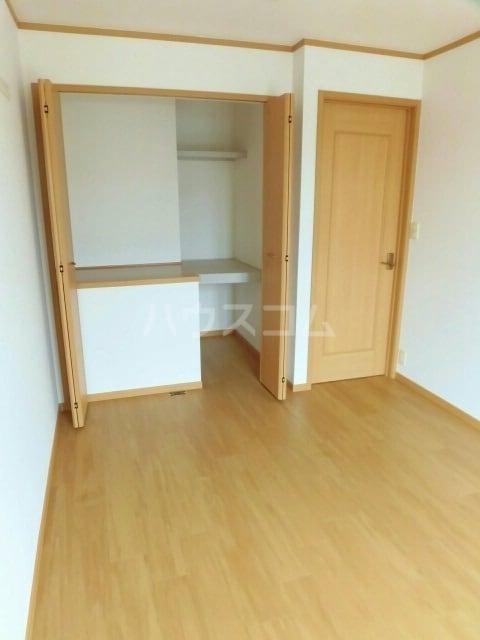 プロムナード 牛川通 D 02040号室の玄関