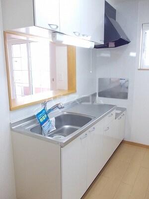 コンフォルト B 02010号室のキッチン
