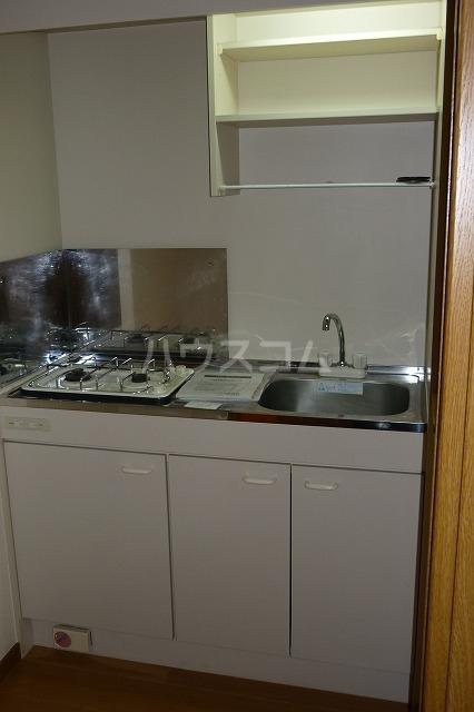 コスモ渡邉 Ⅱ 02010号室のキッチン
