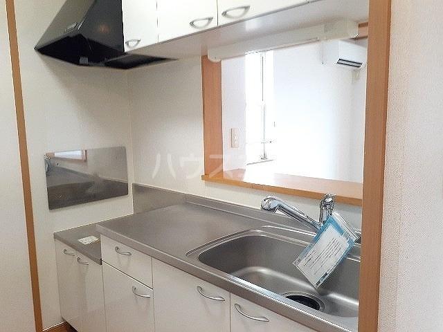 コンフォート江松Ⅱ 02010号室のキッチン