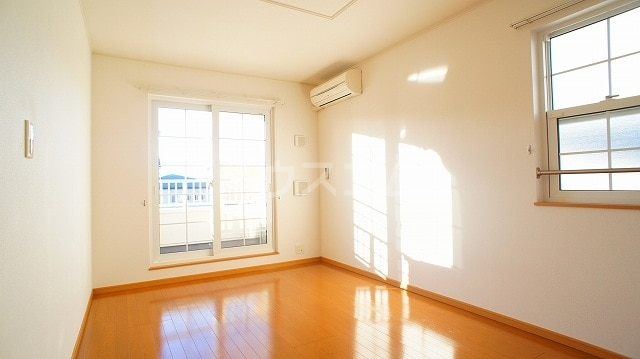 グリーンパークヒルズB 02030号室のリビング