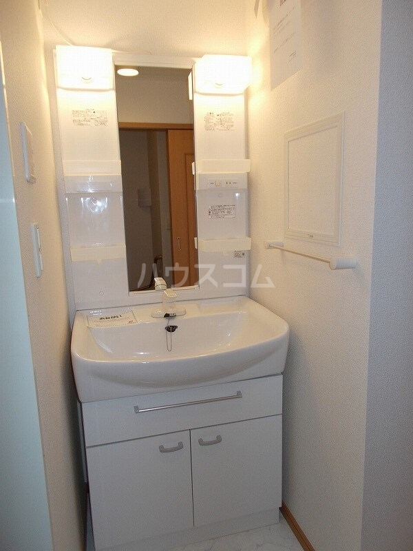 コウハイムⅠ 02010号室の洗面所