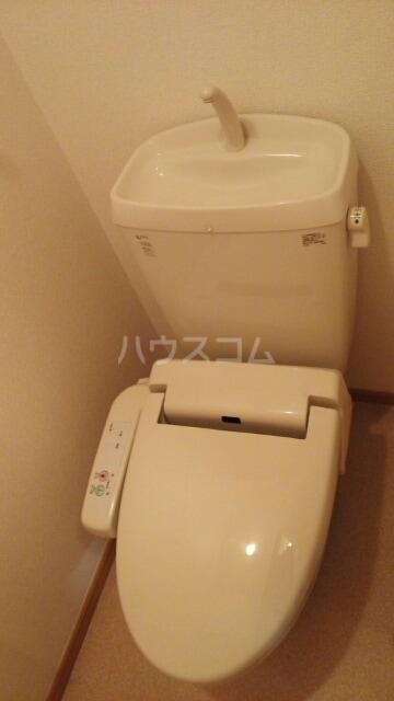 リリー ベル 01020号室のトイレ