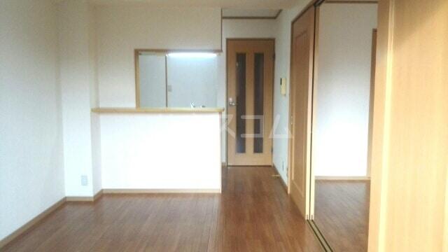 パローレ20 04030号室のリビング