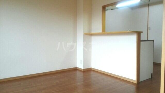 パローレ20 04030号室の居室