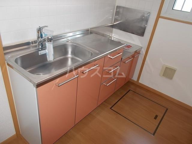 エスポワールB 01030号室のキッチン