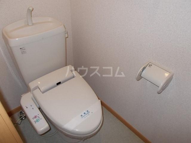 エスポワールB 01030号室のトイレ