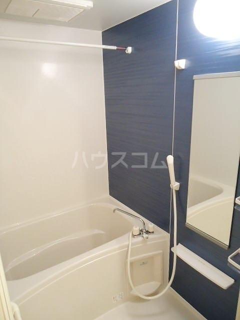 フィオーレⅡ 01010号室の風呂