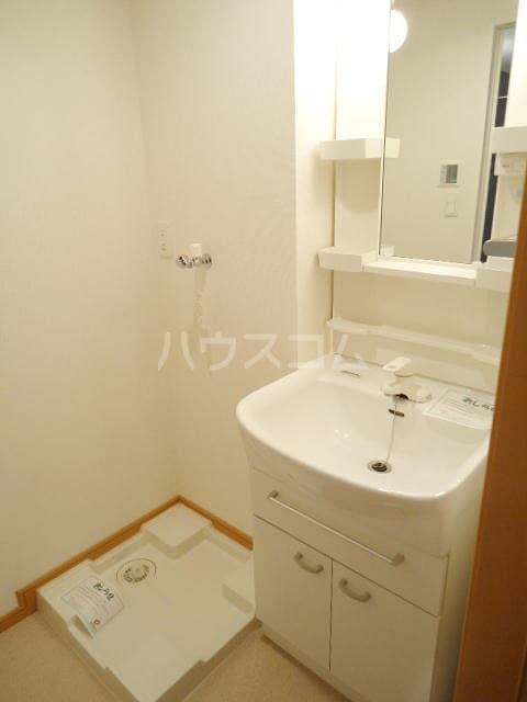 フィオーレⅡ 01010号室の洗面所