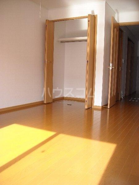 フィオーレⅡ 01010号室のベッドルーム