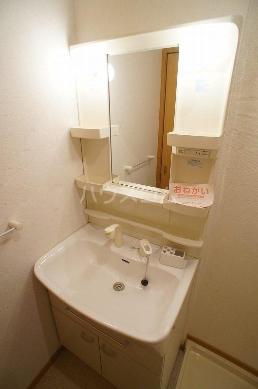 プリート・コルソB 01030号室の洗面所