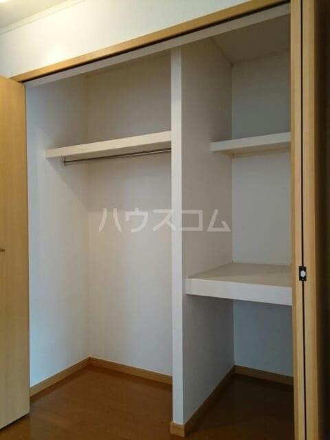リヴ・プロムネイドB 01010号室の収納