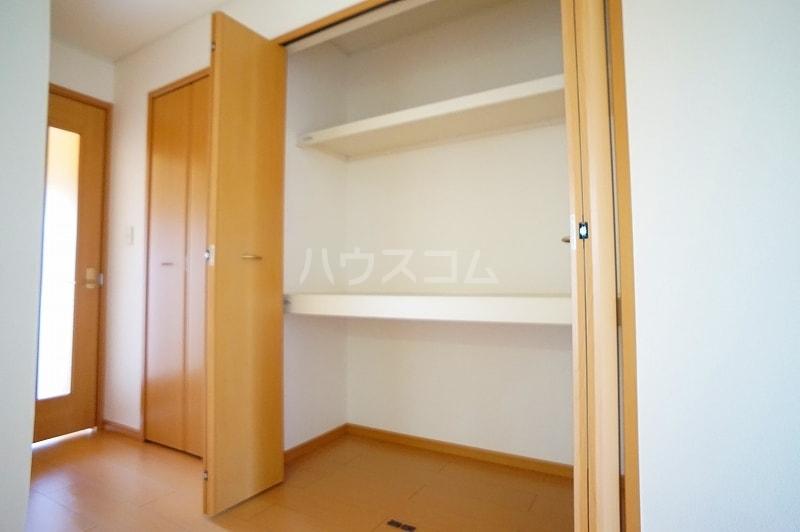 プロムナードB 01020号室の収納