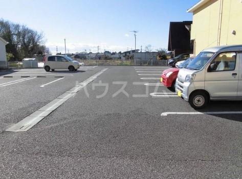 カ-サ・フェリ-チェ B 01010号室の駐車場