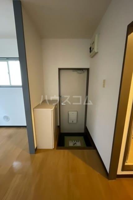 コーポラス丸山 02040号室の玄関