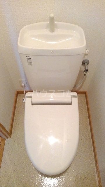 プレ・アビタシオン春日部Ⅰ 01020号室のトイレ