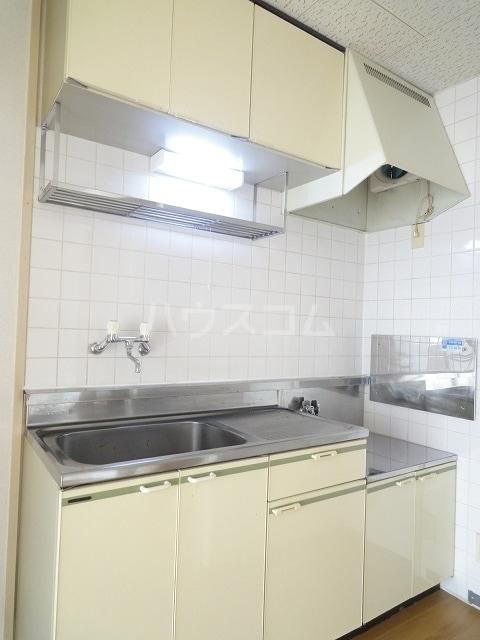 エルディム清水Ⅰ 01030号室のキッチン