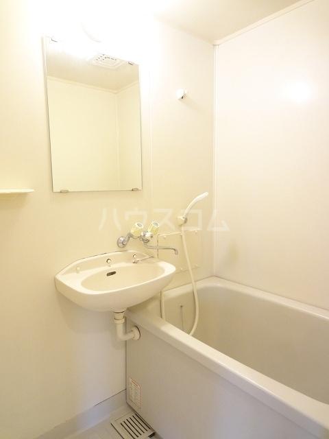 エルディム清水Ⅰ 01030号室の風呂