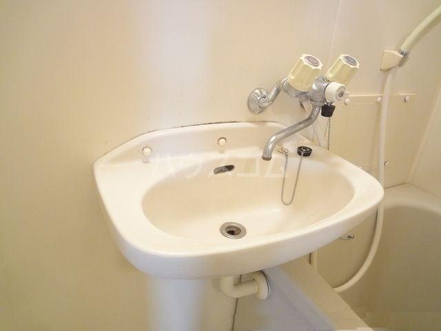 エルディム清水Ⅰ 01030号室の洗面所
