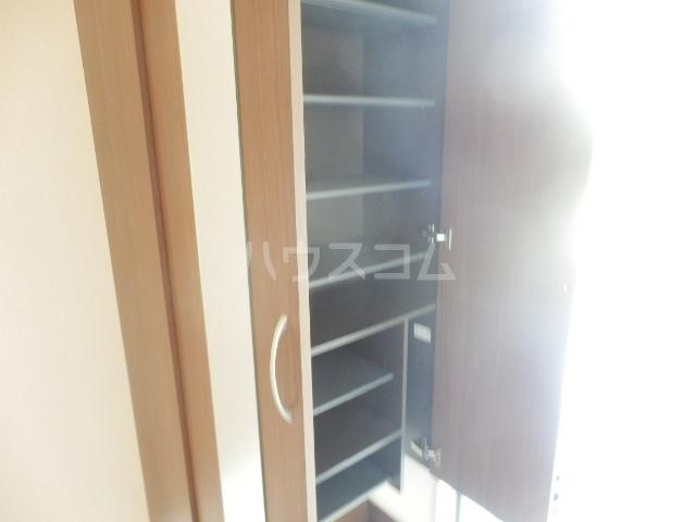 グランシャリオⅡ 102号室の玄関