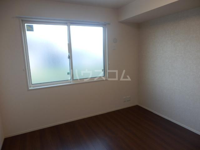 グランシャリオⅡ 102号室の居室