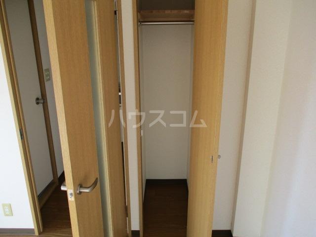 グリフィン新川崎 302号室の収納