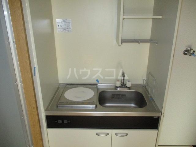グリフィン新川崎 302号室のキッチン