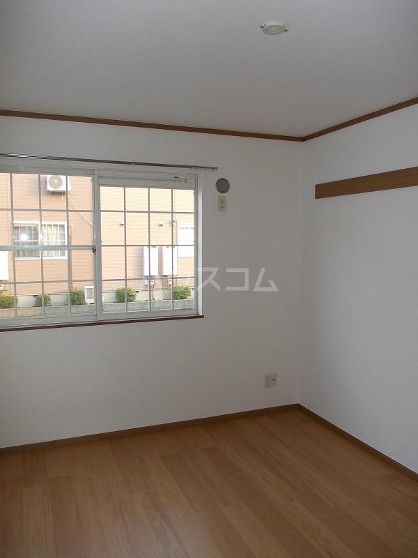 エスポアールB棟 01010号室のベッドルーム