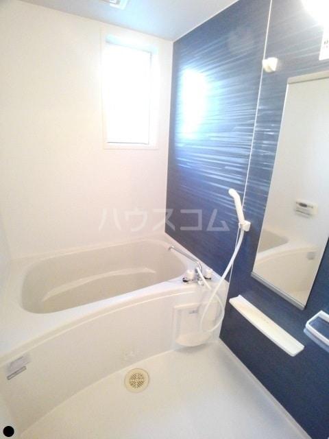 ニューエレガント藤 A 01010号室の風呂