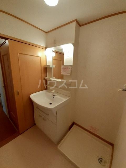 ベル リヴィエール 02040号室の駐車場