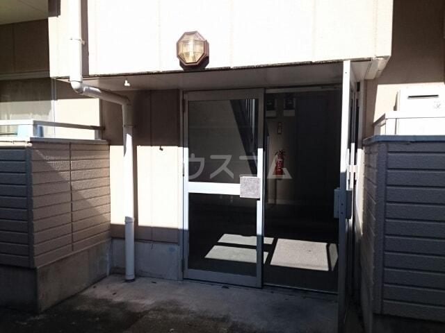 リバーサイドパレス 02010号室のエントランス