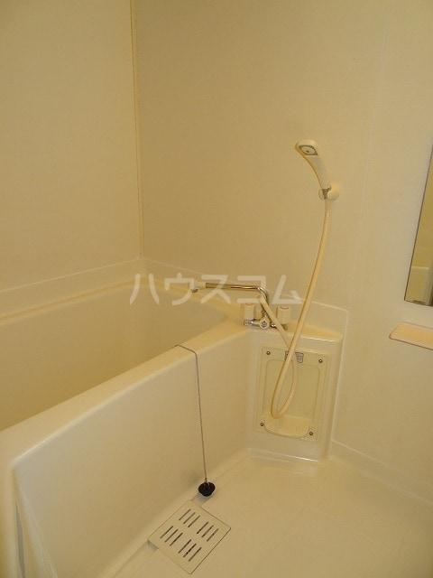 メゾン若山 01010号室の風呂