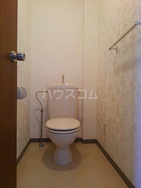 サンシティ豊川 02020号室のトイレ