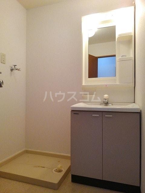 サンシティ豊川 02020号室の洗面所