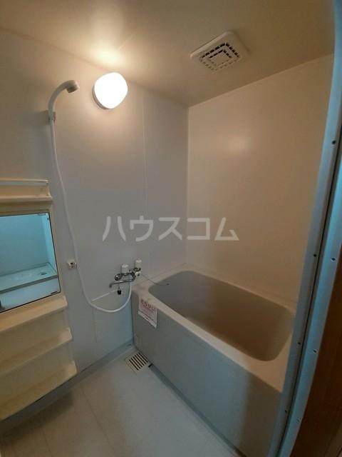 サニーコート松並 02030号室の風呂