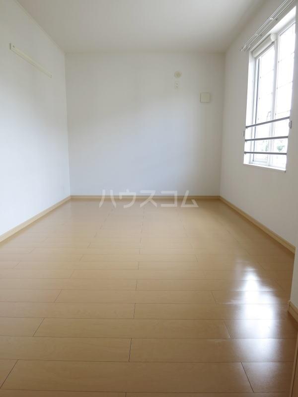 ルーチェ 02030号室のベッドルーム