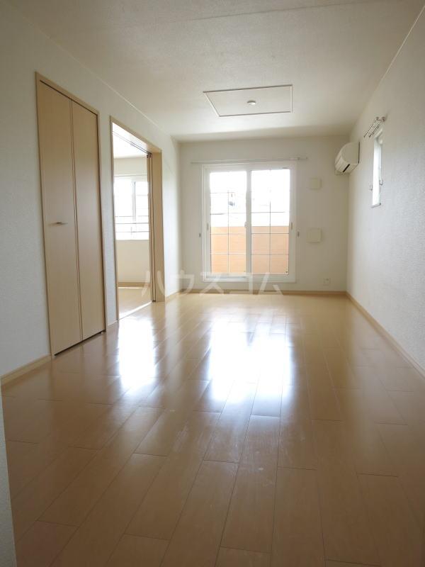 ルーチェ 02030号室のリビング