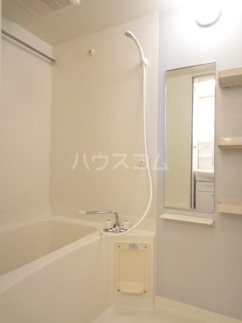 イースト メゾン 02010号室の風呂