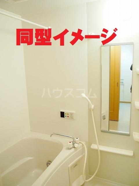 フラ-ズソムB 02030号室の風呂