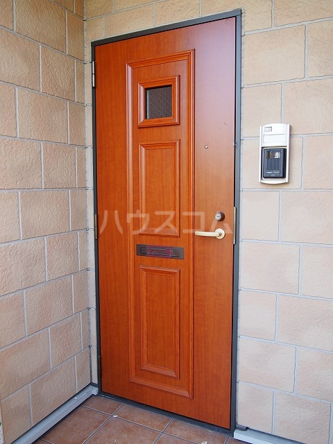 フラ-ズソムB 02030号室の玄関