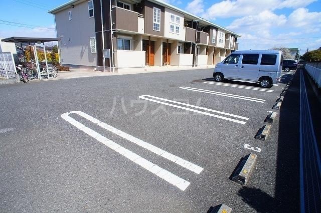 セレッソA 02020号室の駐車場