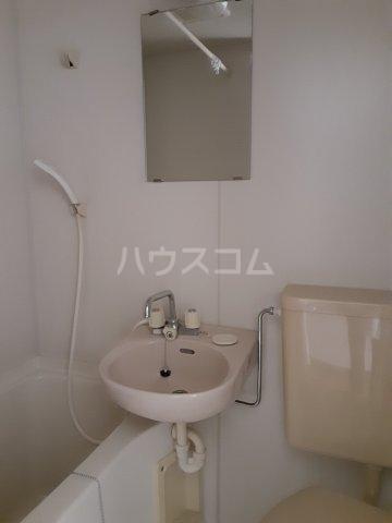 福山アパート 202号室の玄関