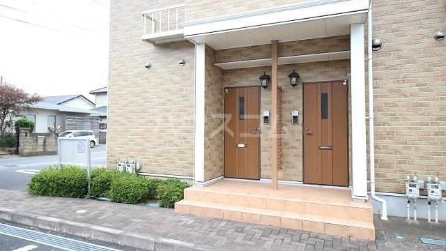 イーストコートⅠ 01020号室の駐車場
