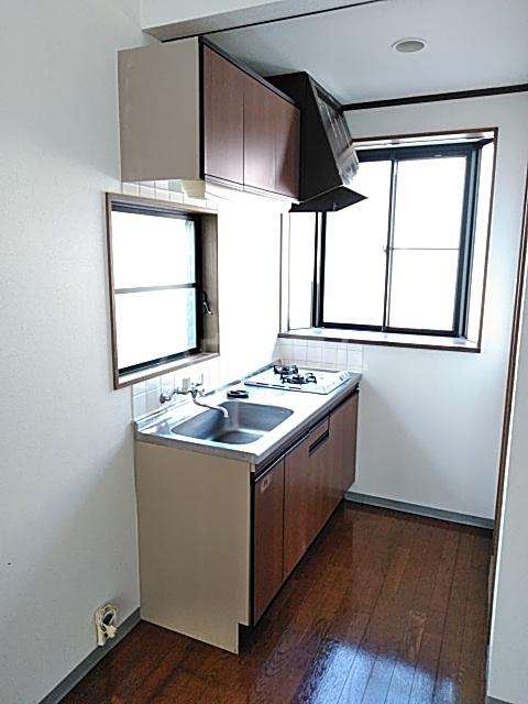 コーポ七沢 202号室のキッチン