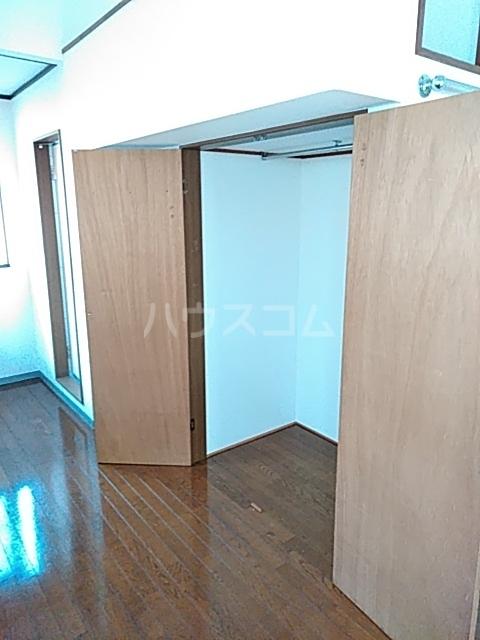 コーポ七沢 202号室の収納