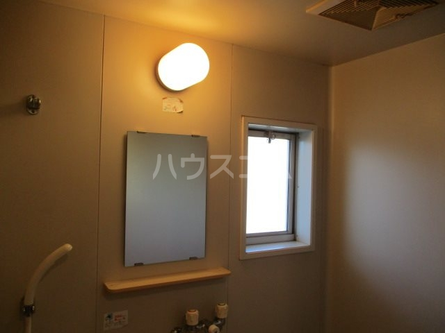 シャイニーハイツⅡ 203号室の風呂